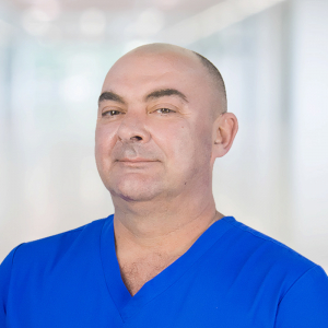 Селезнев Сергей Николаевич стоматолог хирург в Одинцово
